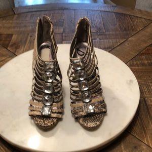 Sam Edelman sz 7.5. 4.5 in.heels snake skin print